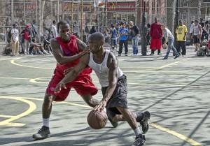 Outdoor Basketbälle eignen sich sowohl für Hobbysportler als auch für Profis